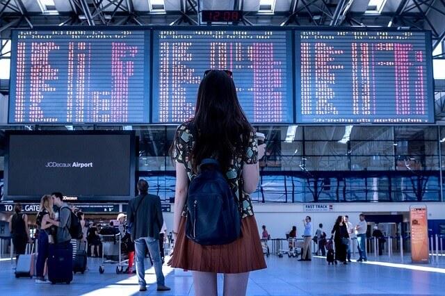 Jak oszczędzać na biletach lotniczych – Tanie podróżowanie