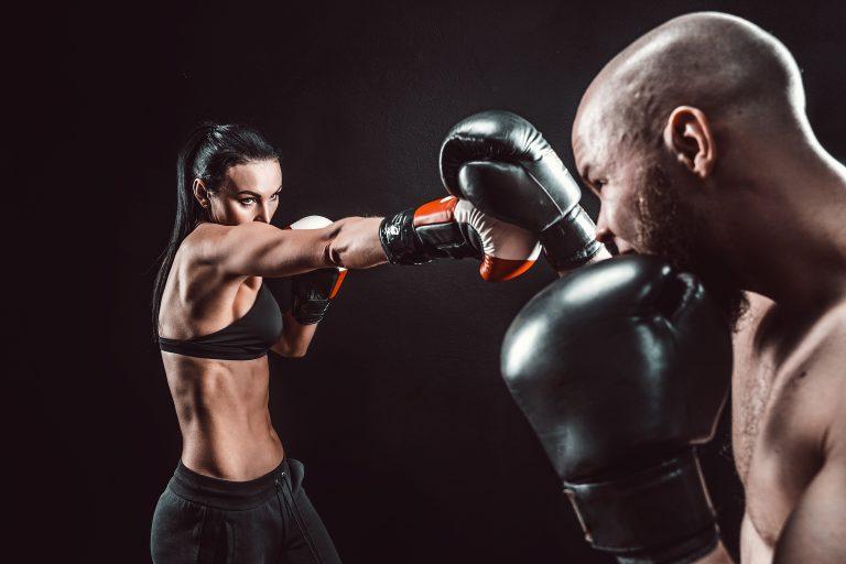 Jak wybrać wysokiej jakości sprzęt do sportów walki?