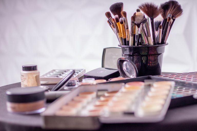 Krem pod makijaż – na co zwracać uwagę?